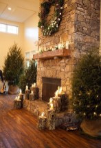 Inspiring Rustic Christmas Fireplace Ideas To Makes Your Home Warmer 72