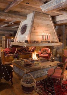 Inspiring Rustic Christmas Fireplace Ideas To Makes Your Home Warmer 87