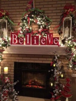 Inspiring Rustic Christmas Fireplace Ideas To Makes Your Home Warmer 96