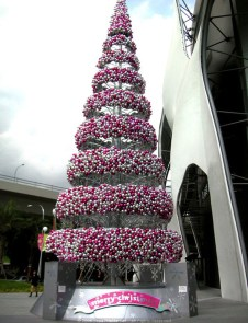 Adorable Pink And Purple Christmas Decoration Ideas 01