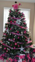 Adorable Pink And Purple Christmas Decoration Ideas 02
