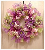 Adorable Pink And Purple Christmas Decoration Ideas 10