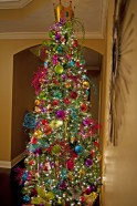 Adorable Pink And Purple Christmas Decoration Ideas 17