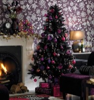 Adorable Pink And Purple Christmas Decoration Ideas 27