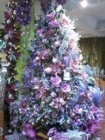 Adorable Pink And Purple Christmas Decoration Ideas 30