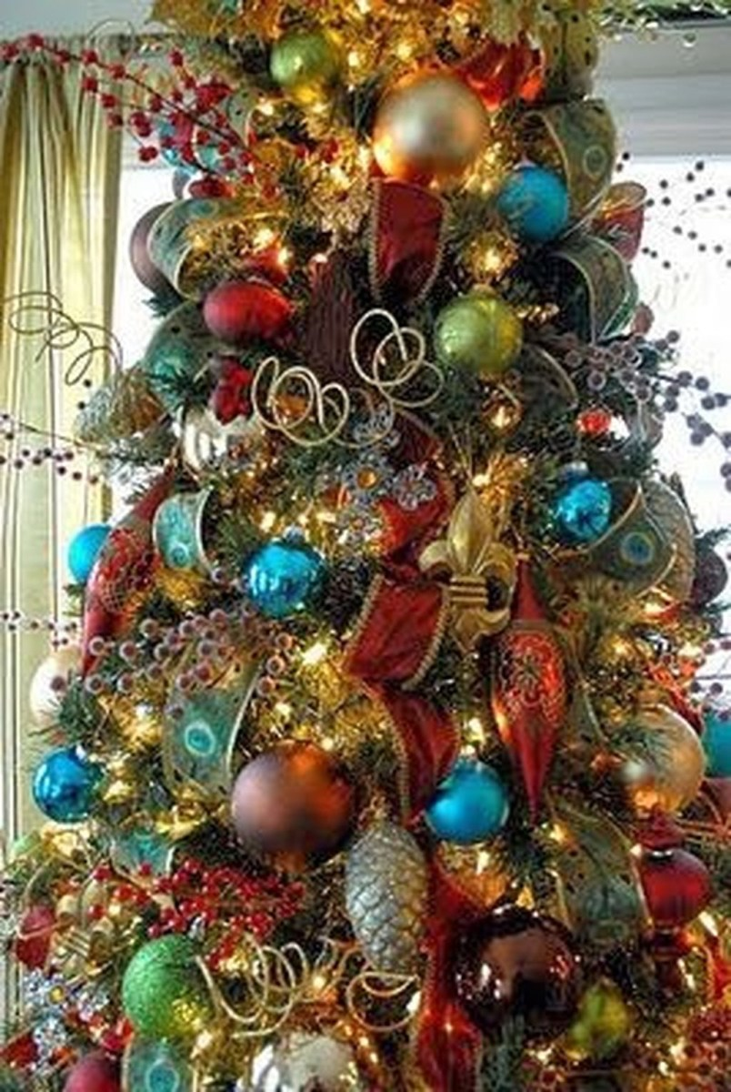 Adorable Pink And Purple Christmas Decoration Ideas 45