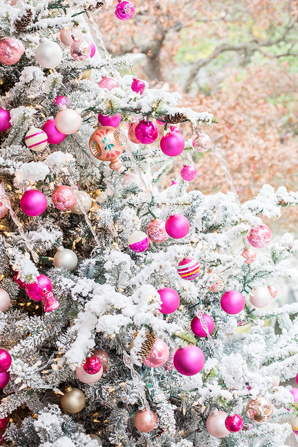Adorable Pink And Purple Christmas Decoration Ideas 48