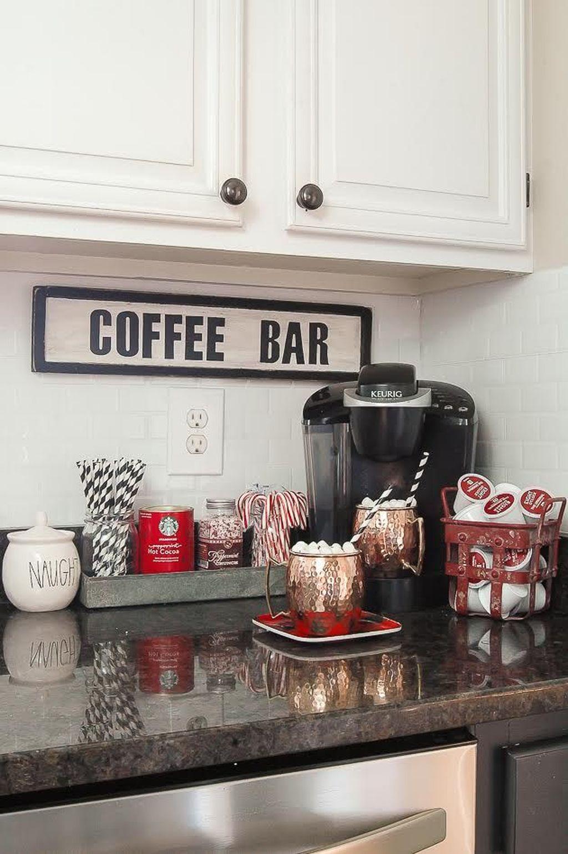 Adorable Rustic Christmas Kitchen Decoration Ideas 31