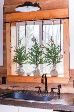 Adorable Rustic Christmas Kitchen Decoration Ideas 39