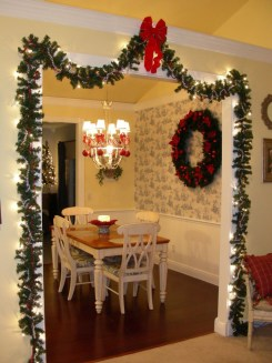 Adorable Rustic Christmas Kitchen Decoration Ideas 48