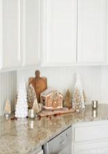 Adorable Rustic Christmas Kitchen Decoration Ideas 55