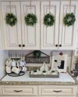Adorable Rustic Christmas Kitchen Decoration Ideas 74