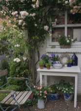 Cozy And Relaxing Country Garden Decoration Ideas You Will Totally Love 16