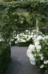 Cozy And Relaxing Country Garden Decoration Ideas You Will Totally Love 25