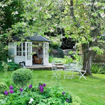 Cozy And Relaxing Country Garden Decoration Ideas You Will Totally Love 36