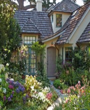 Cozy And Relaxing Country Garden Decoration Ideas You Will Totally Love 52