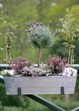 Cozy And Relaxing Country Garden Decoration Ideas You Will Totally Love 55