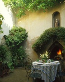 Cozy And Relaxing Country Garden Decoration Ideas You Will Totally Love 62