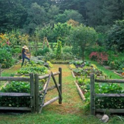 Cozy And Relaxing Country Garden Decoration Ideas You Will Totally Love 70