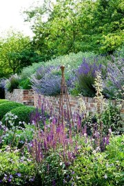Cozy And Relaxing Country Garden Decoration Ideas You Will Totally Love 77