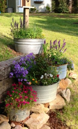 Cozy And Relaxing Country Garden Decoration Ideas You Will Totally Love 84