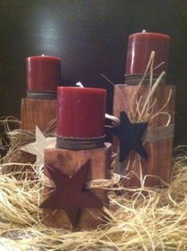 Creative DIY Christmas Candle Holders Ideas To Makes Your Room More Cheerful 29