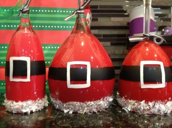 Creative DIY Christmas Candle Holders Ideas To Makes Your Room More Cheerful 56