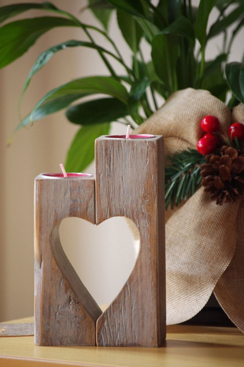 Creative DIY Christmas Candle Holders Ideas To Makes Your Room More Cheerful 77