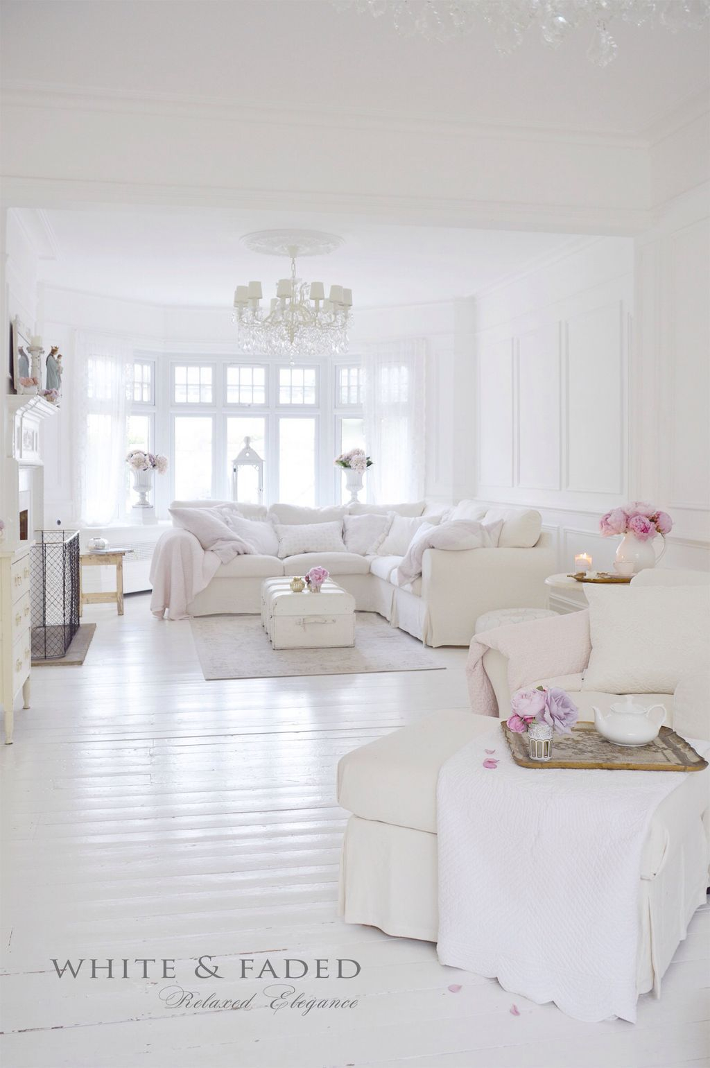 Creative DIY Shabby Chic Decoration Ideas For Your Living Room 25