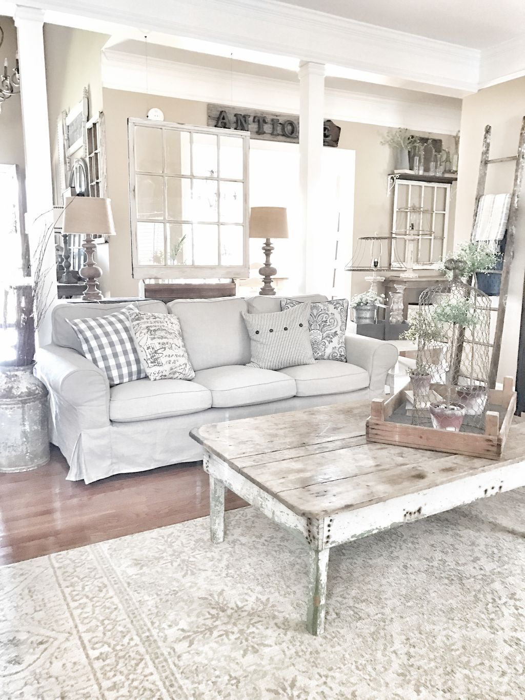 Creative DIY Shabby Chic Decoration Ideas For Your Living Room 48