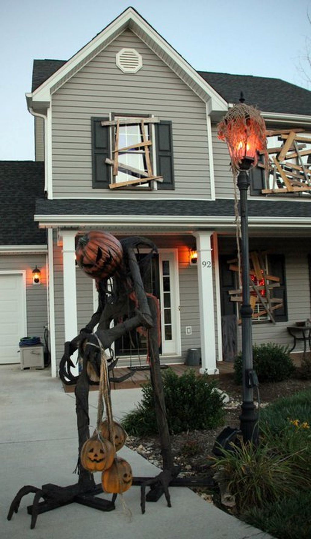 Creepy But Creative DIY Halloween Outdoor Decoration Ideas 33