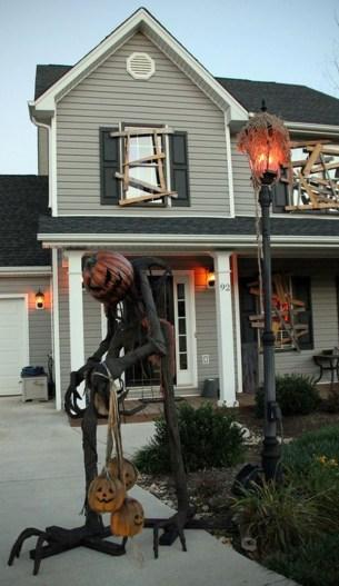Creepy But Creative DIY Halloween Outdoor Decoration Ideas 33