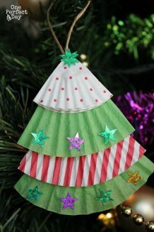 Cute Christmas Decoration Ideas Your Kids Will Totally Love 12