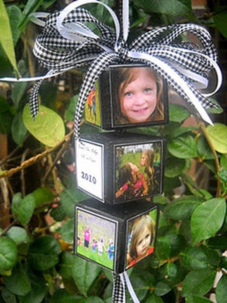 Easy And Creative DIY Photo Christmas Ornaments Ideas 16