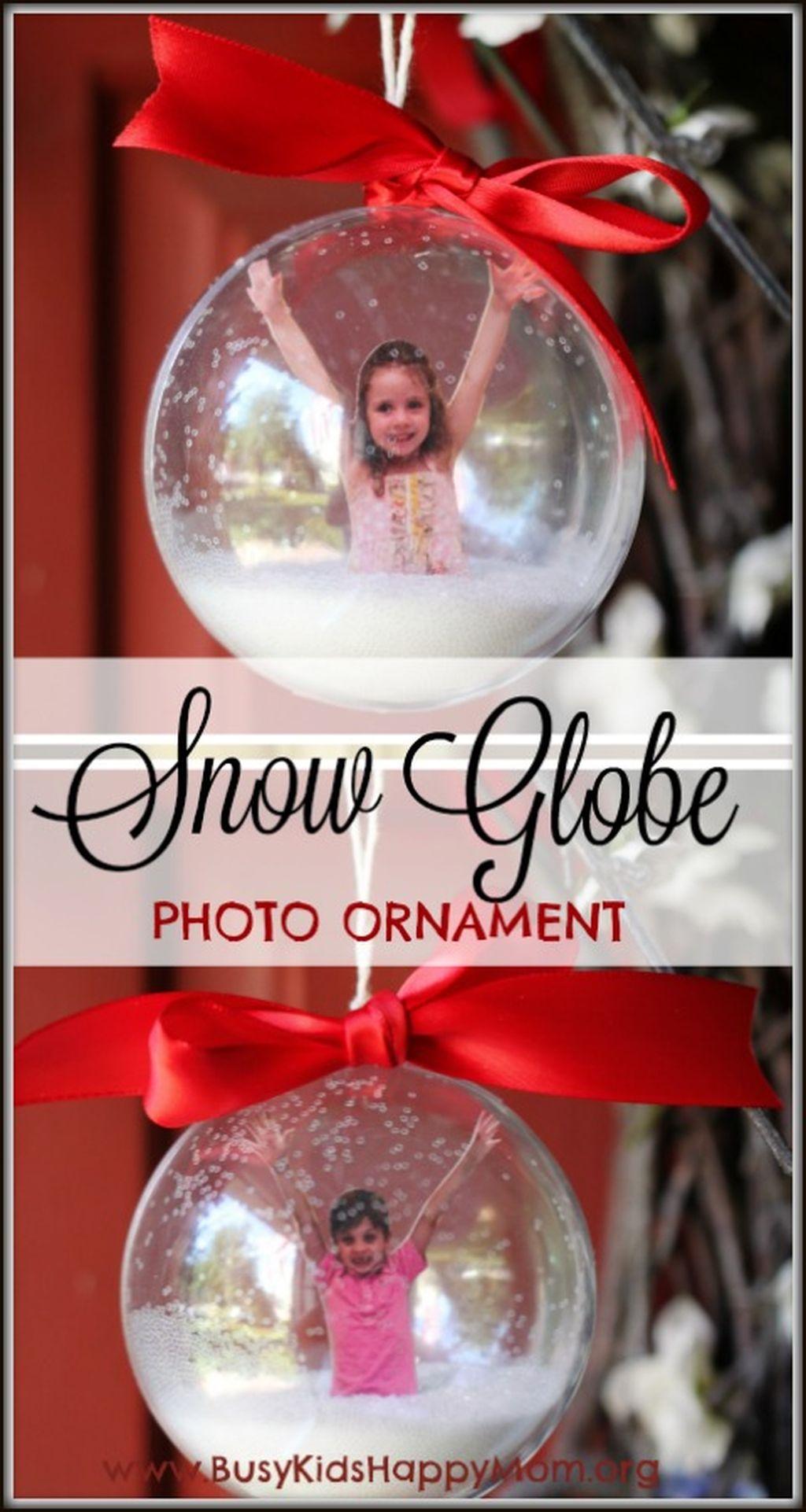 Easy And Creative DIY Photo Christmas Ornaments Ideas 20