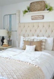Gorgeous Vintage Master Bedroom Decoration Ideas 05