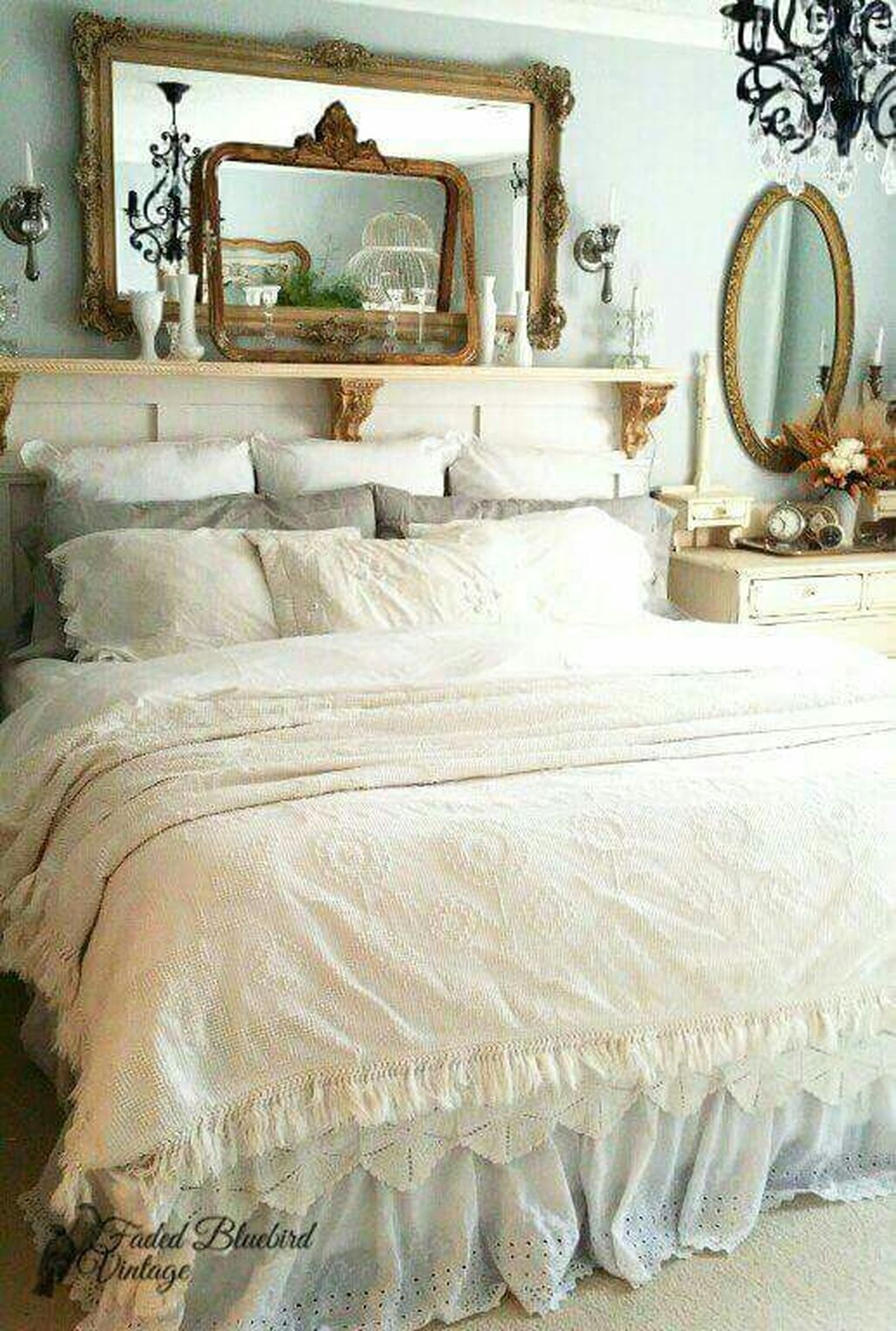 Gorgeous Vintage Master Bedroom Decoration Ideas 06