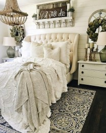 Gorgeous Vintage Master Bedroom Decoration Ideas 55
