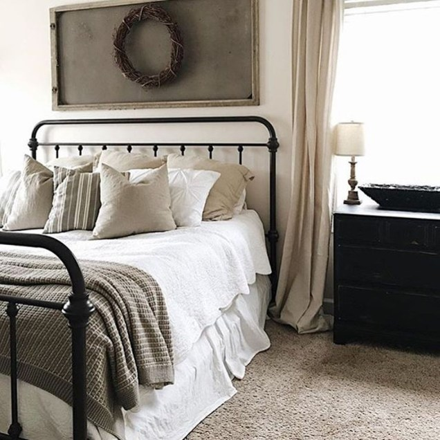 Gorgeous Vintage Master Bedroom Decoration Ideas 99