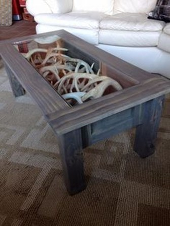 Incredible Industrial Farmhouse Coffee Table Ideas 32