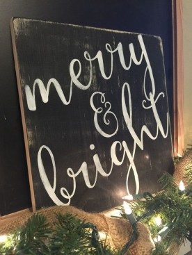 Incredible Rustic Farmhouse Christmas Decoration Ideas 06