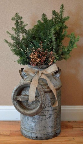 Incredible Rustic Farmhouse Christmas Decoration Ideas 12