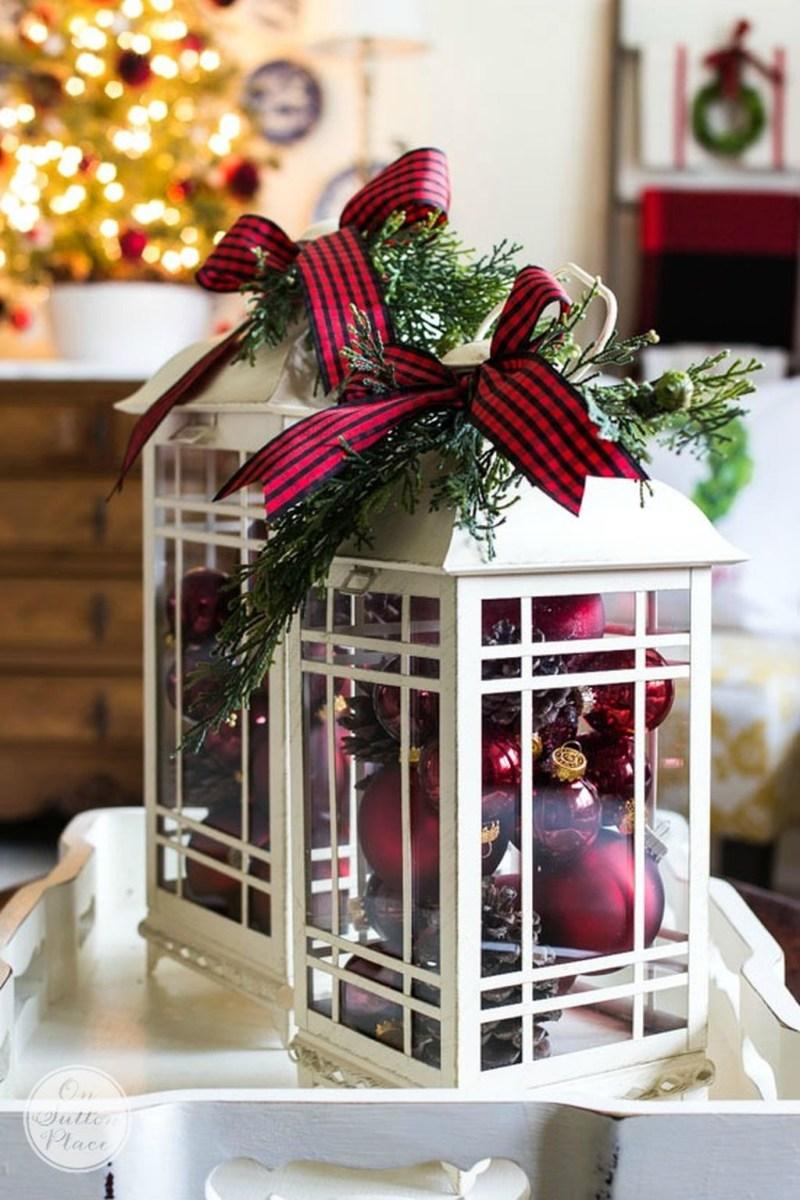 Incredible Rustic Farmhouse Christmas Decoration Ideas 31