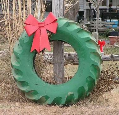 Incredible Rustic Farmhouse Christmas Decoration Ideas 52