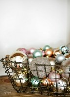 Incredible Rustic Farmhouse Christmas Decoration Ideas 62
