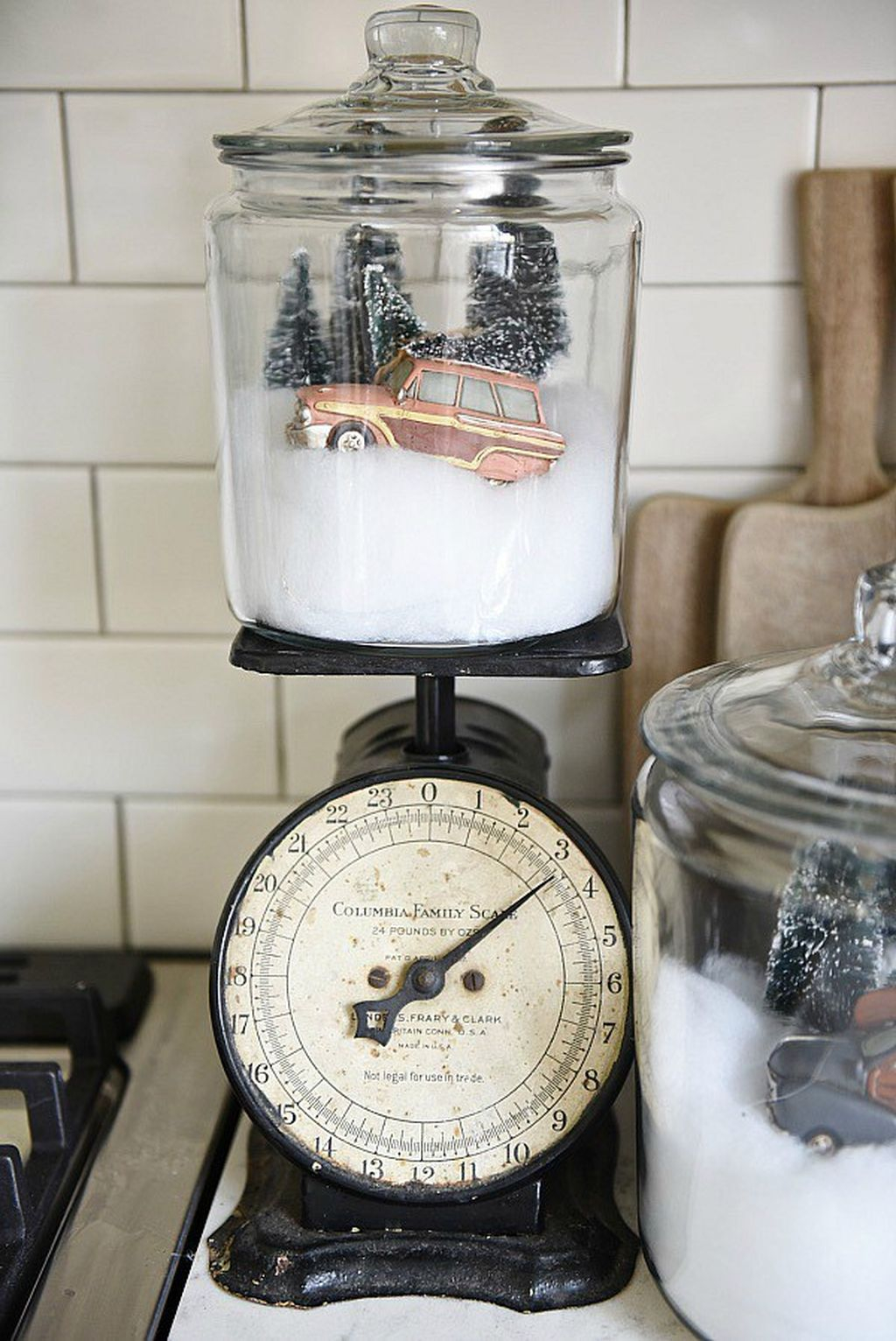 Incredible Rustic Farmhouse Christmas Decoration Ideas 68