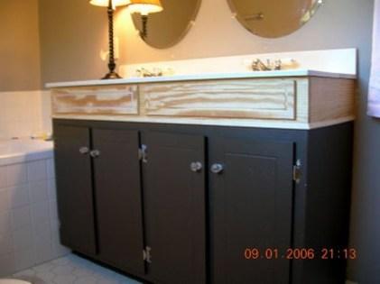 Inspiring Rustic Bathroom Vanity Remodel Ideas 20
