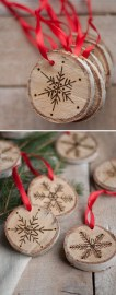Inspiring Rustic Christmas Tree Decoration Ideas For Cheerful Day 10