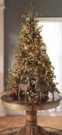 Inspiring Rustic Christmas Tree Decoration Ideas For Cheerful Day 22