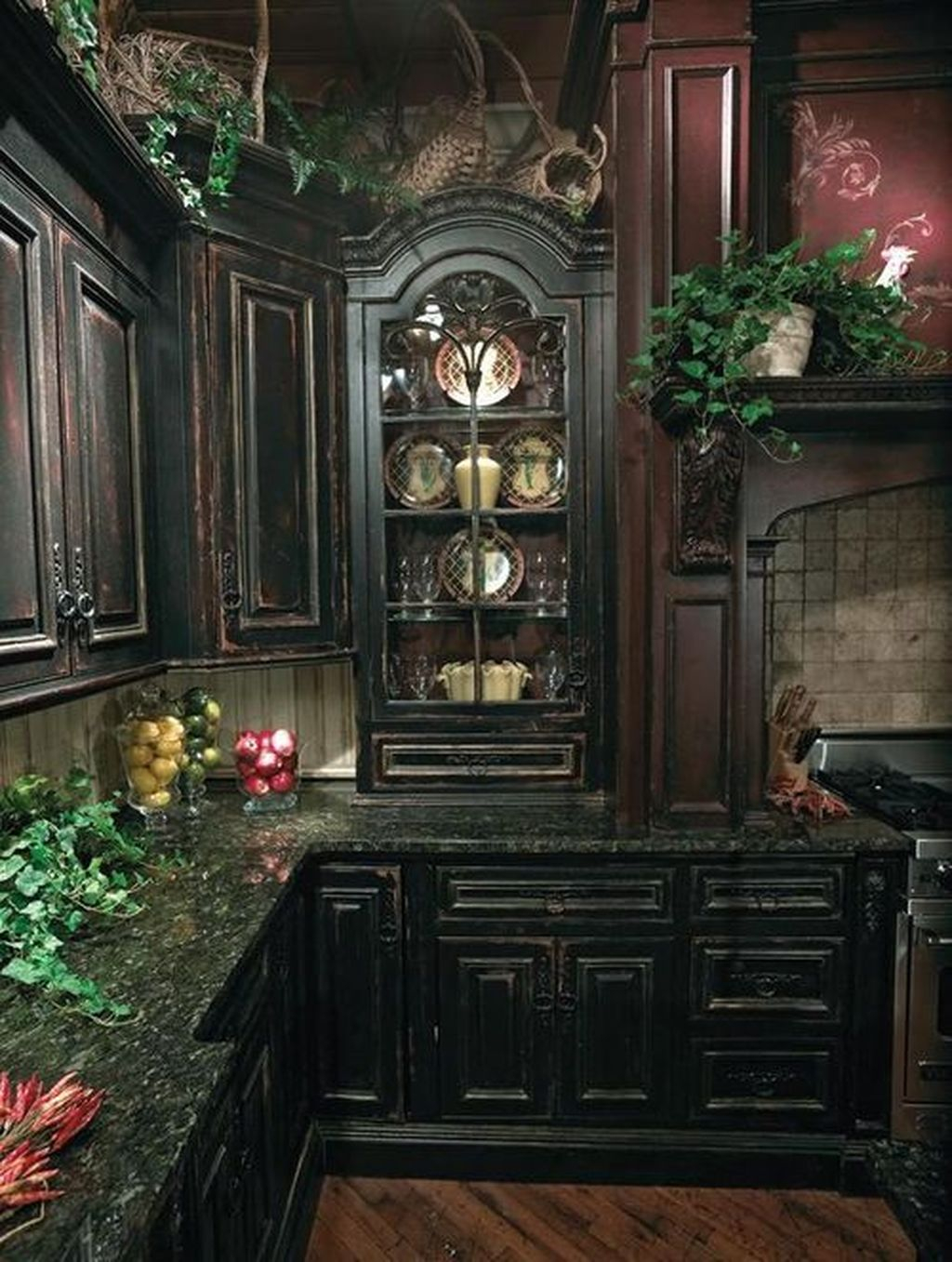 Inspiring Traditional Victorian Kitchen Remodel Ideas 18